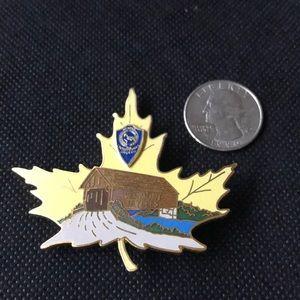 Vintage Vermont Jaycees Pin